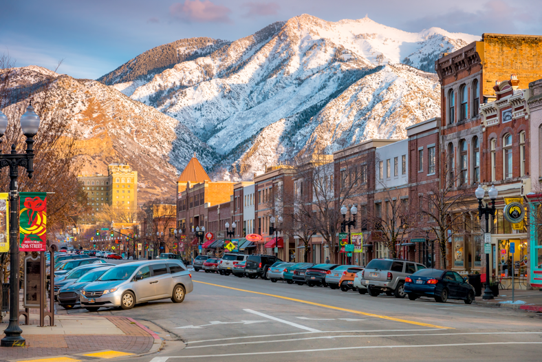 If you're looking to rent in Ogden UT, check out our extensive list of luxury apartments and townhomes. We make it easy to find your dream home by filtering home types, price and size. Filtering with keyword search is also possible, like